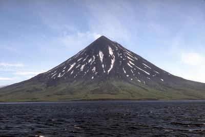 cleveland_volcano_erupt