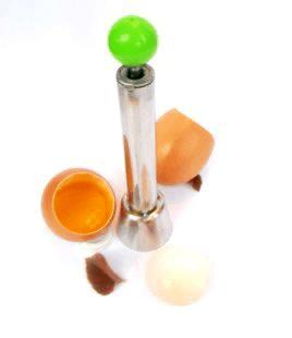 手造り感あふれる 卵の殻割り器