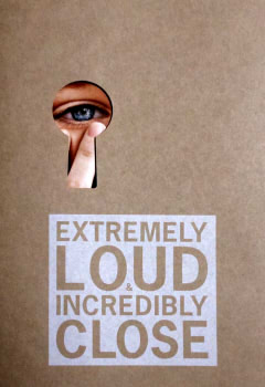 『映画パンフレット』 ものすごくうるさくて、ありえないほど近い EXTREMELY LOUD AND INCREDIBLY CLOSE