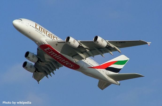 1280px-Emirates_A380_2
