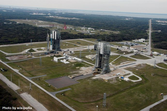 View_over_Launch_Complex_17