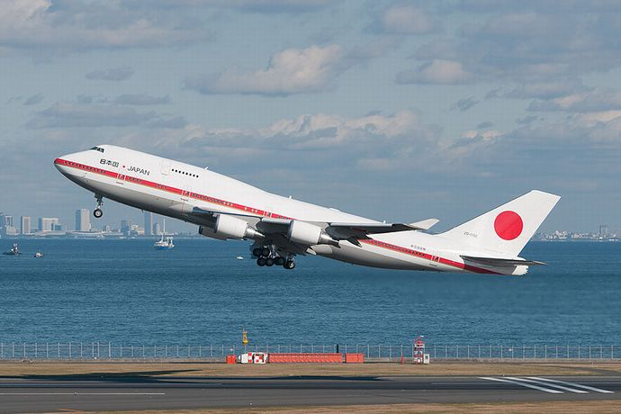 800px-Japanese-Airforce-002-02