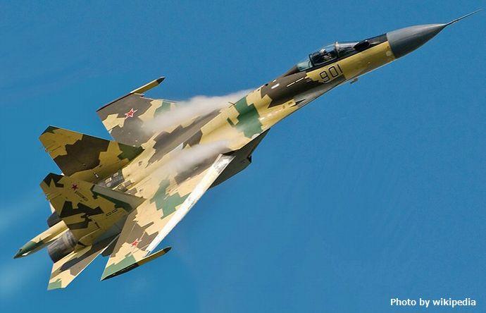 800px-Su-35_in_flight._(altered)