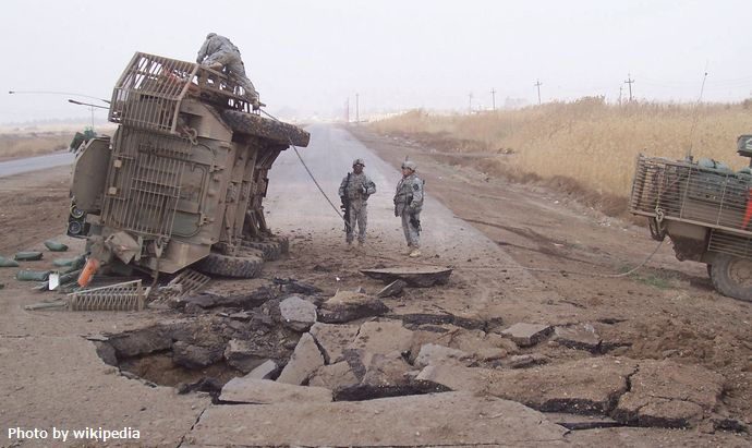 Buried_IED_blast_in_2007_in_Iraq