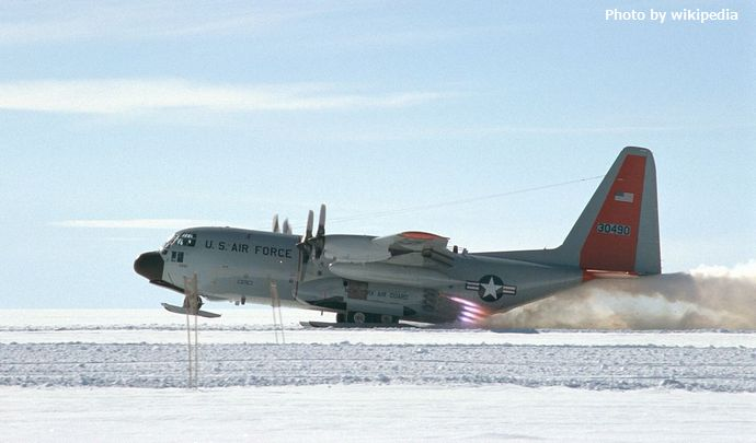 1200px-LC130-Takeoff-Greenland.swn