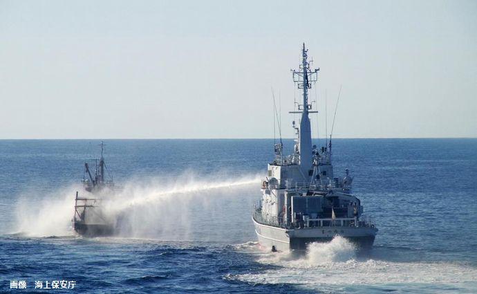 海保巡視船が北朝鮮漁船から接触され船体の一部が破損…投石など抵抗激化!