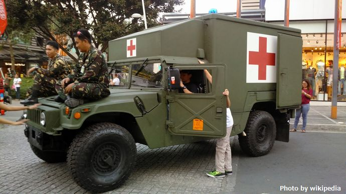 Philippine_Army_HUMVEE_Ambulance