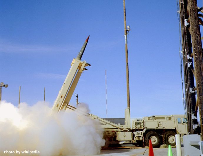 THAAD_missile_launch_in_2005_-1