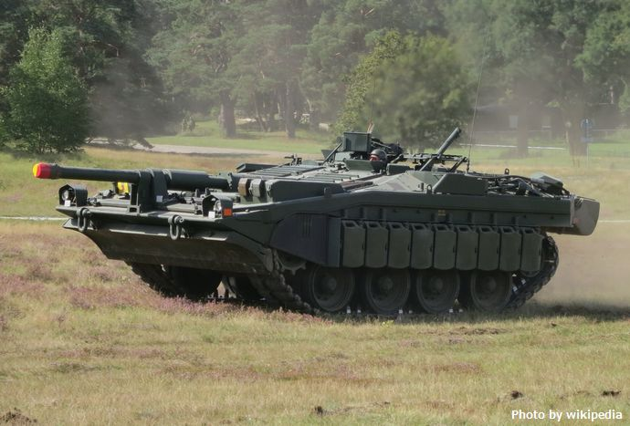 Stridsvagn_103_Revinge_2013-1