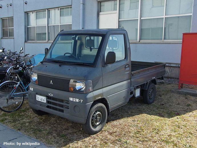 JASDF__K_Truck__,_航空自衛隊_軽トラック_-_panoramio