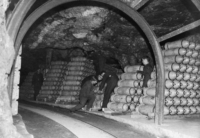 RAF_Fauld_tunnel_bombs