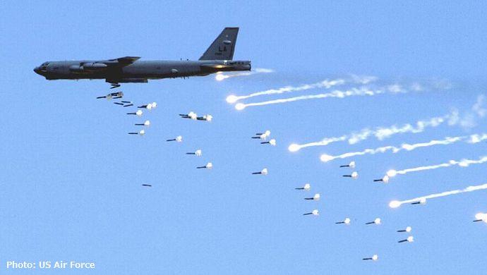 800px-B-52_Stratofortress