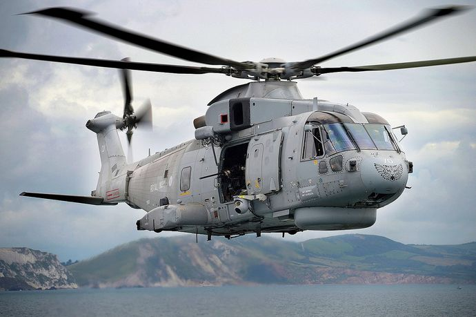 1280px-Royal_Navy_Merlin_Helicopter_MOD_45155806
