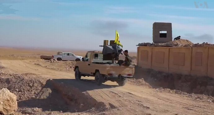 SDF_technical_in_northern_Raqqa_countryside_(November_2016)