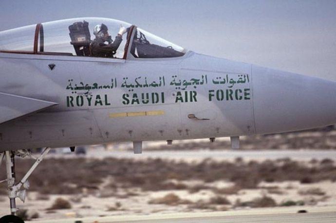 サウジアラビア空軍機が訓練中に墜落、乗組員全員が死亡!