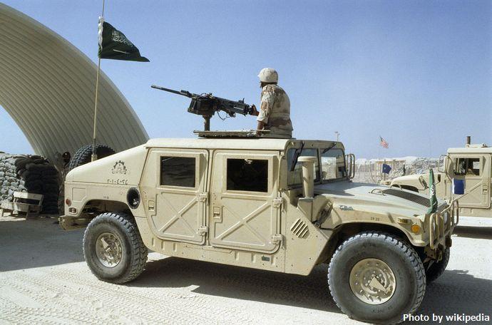 1280px-Saudi_Arabian_Humvee