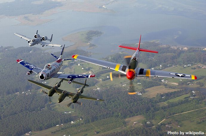 800px-A-10,_F-86,_P-38_&_P-51_Heritage_formation