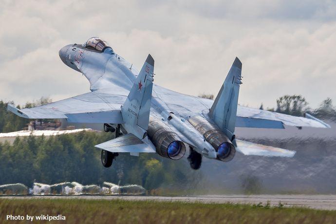 Sukhoi_Su-35S_(28333541172)