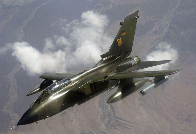 1280px-German_Panavia_Tornado