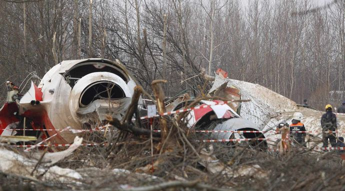 crash-debris-searchjpg-7f93991e6bde4f41