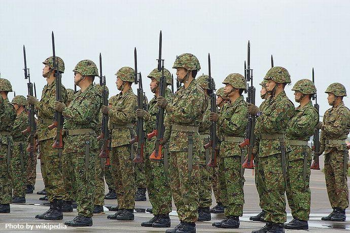 Present_Arms_fixing_bayonet