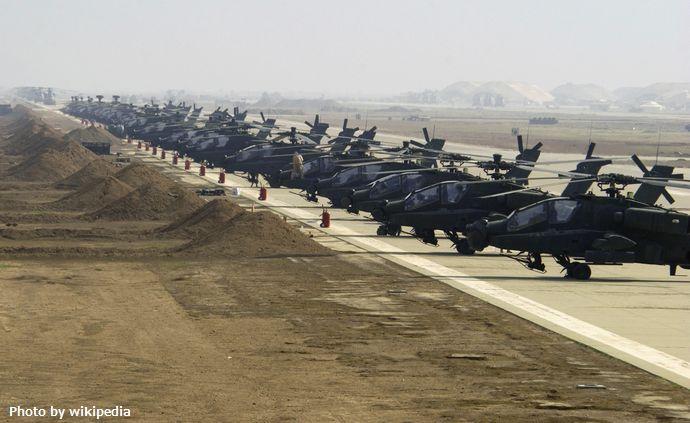 AH-64D_Apache_Longbow,_Al_Asad_(2164914566)