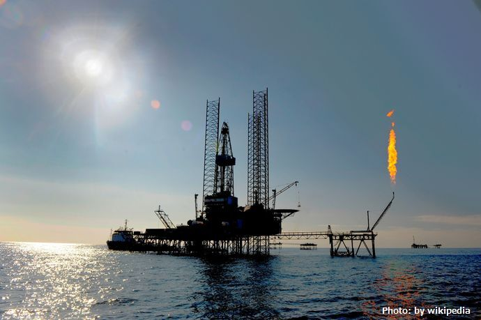 Jack-up-rig-in-the-caspian-sea_1