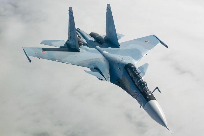 Sukhoi_Su-30SM_in_flight_2014
