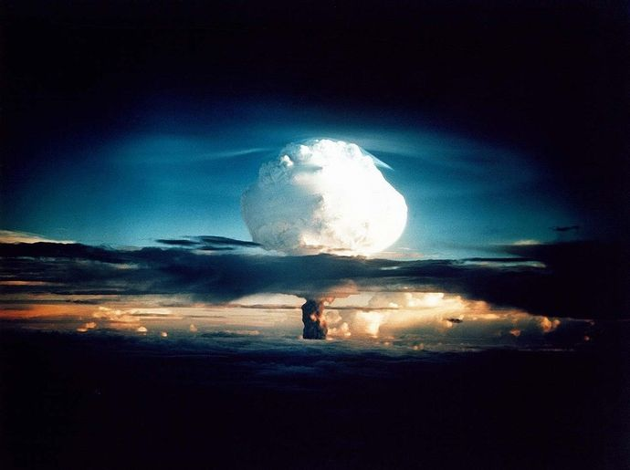 hydrogen-bomb-63146_960_720