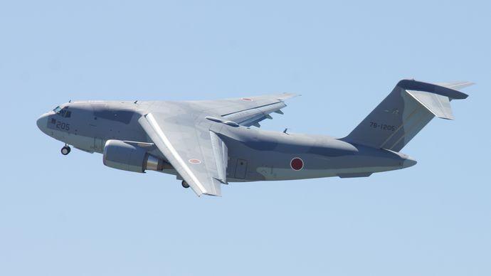 JASDF_C-2(78-1205)_fly_over_at_Miho_Air_Base_May_28,_2017_03