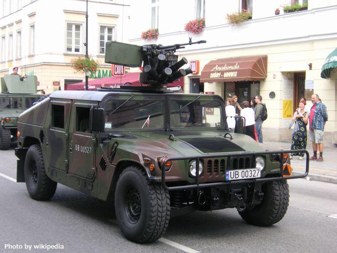 Warsaw_Hummer_03