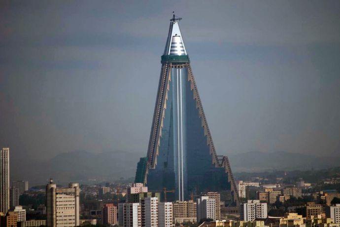 放置状態にあった北朝鮮の超高層「柳京ホテル」を年内に完工予定…100階に回転食堂!