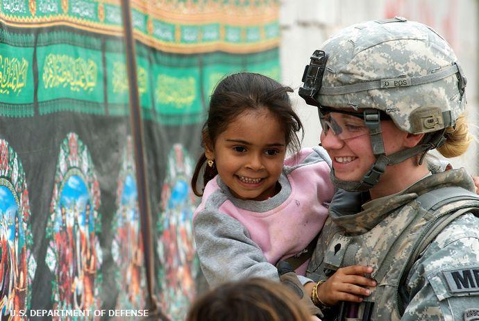 「飛ばす車が減った」…米軍若手兵士の通学路見守りに地域住民から感謝の声!