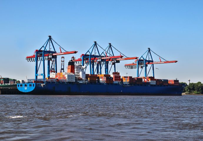 container-ship-832448_1920