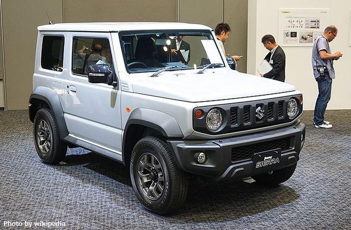 800px-JMN18_Suzuki_Jimny_Sierra_JC_JB74_1
