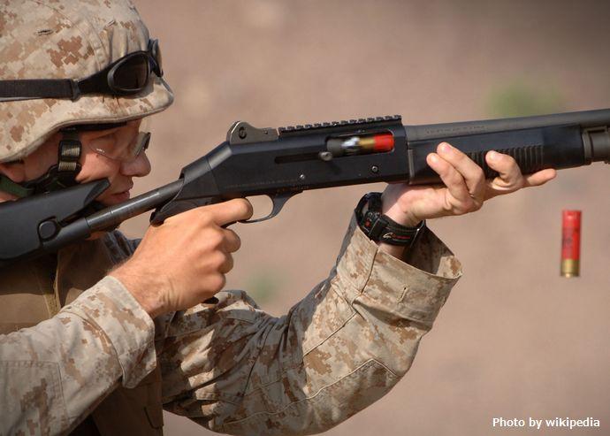 Shotgun_in_training_US_military
