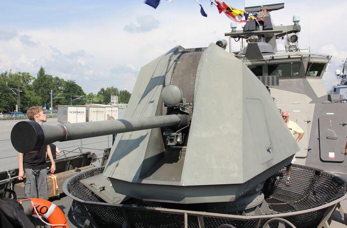 Hanko_Turku_2011_bow_Bofors_57_mm_Mk3_3