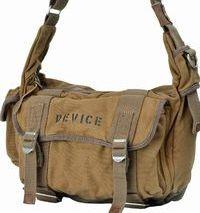 DEVICE Cargo ショルダーバッグ DBE/ダークベージュ
