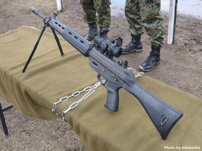 JGSDF_Type_89_Assault_Rifle_20100418-01