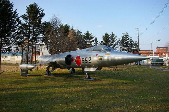 1280px-JASDF_F-104J