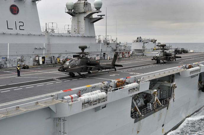 Apache_Attack_Helicopter_Takes_Off_from_HMS_Ocean_MOD_45150674