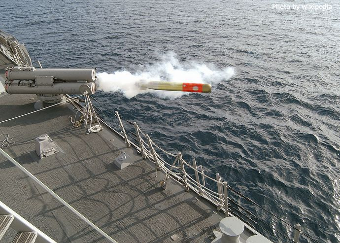 1280px-USN_MK-46_Mod_5_lightweight_torpedo