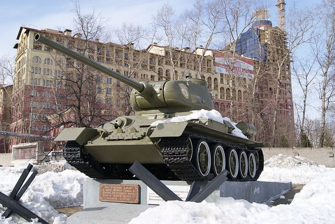 800px-T-34-85_Model_1969_in_Shchukino,_Moscow