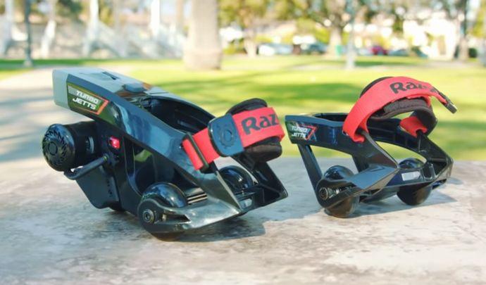 「装甲騎兵ボトムズ」みたいに地上を高速移動したいって夢、叶えます…靴に装着する電動モーター!