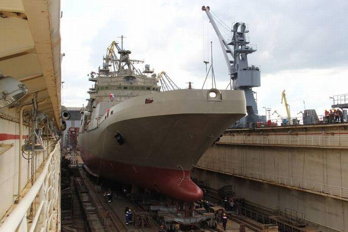 ロシアの5000トン級大型揚陸艦2番艦「ピョートル・モルグノフ」が進水!