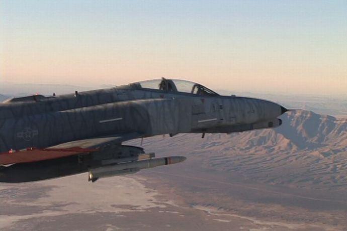 AIR_UAV_QF-4_w_Missile_2007-01_lg