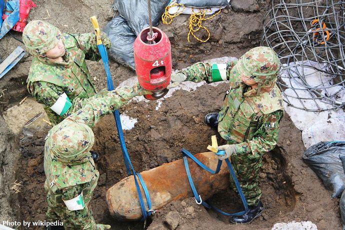 1280px-Bomb_disposal_in_Sendai_Airport