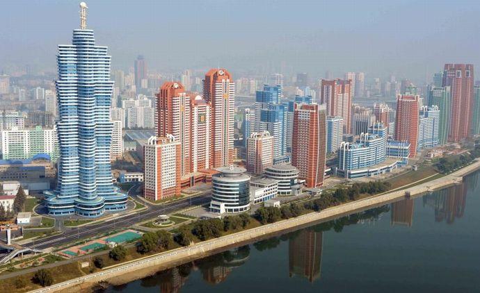 北朝鮮首都の巨大タワーマンションが倒壊の危機…柱が膨張、地盤沈下も確認!