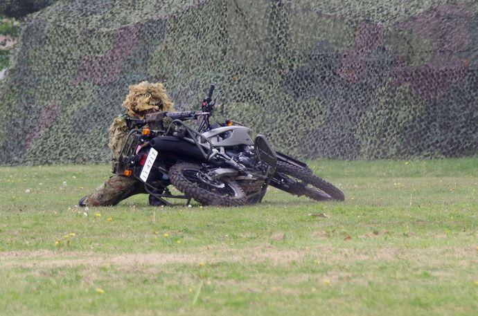 JGSDF_reconnaissance_bicycle_(Kawasaki_KLX250)_20140429-02