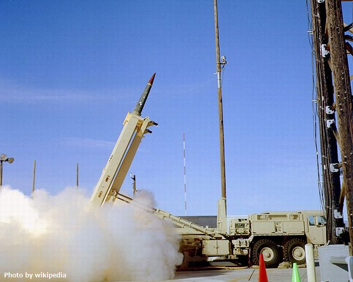 750px-THAAD_missile_launch_in_2005_-1